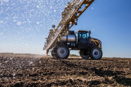 Challenger Rogator C Series Row Crop Applicator With New Liquidlogic System Is A 2018 Ae50 Award Winner