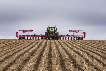Challenger1000 Series Tractor Planting