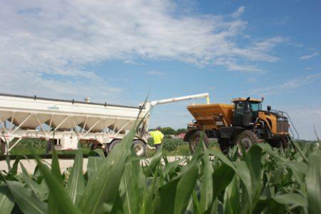 Loading Dry Fertilizer Landus Cooperative