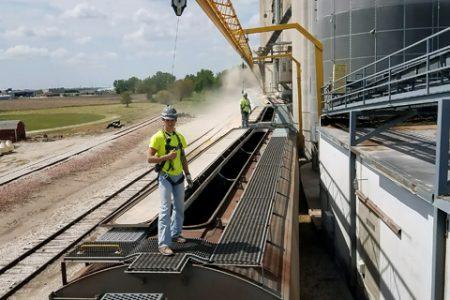 Loading grain train Landus Cooperative