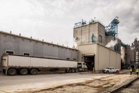 Soyplus Truck Entering Loadout